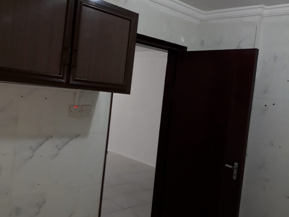 flat for rent in Kuwait Mahbula block 2,